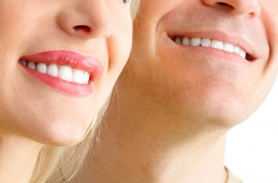 Belfast City Council Issues Warning Over Illegal Tooth Whitening Treatment