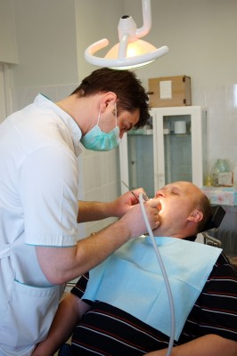British Columbia Dentist offers Free Oral Cancer Screening to Celebrate Dental Health Month